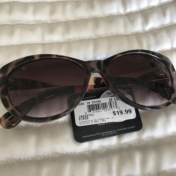 7c10f4ea42 25% Off☀ CatEye Piper Sunglasses. Boutique. Foster Grant